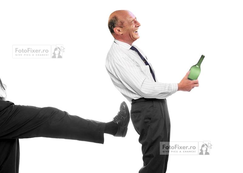 Basescu gonit cu un sut - Trucaje foto – portofoliu - FotoFixer