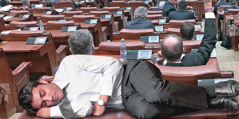 parlamentar dormind 123 800x400 - Trucaje foto – portofoliu - FotoFixer